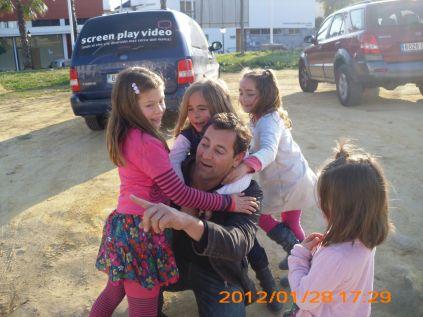 Mi hijo Jose y mis nietas