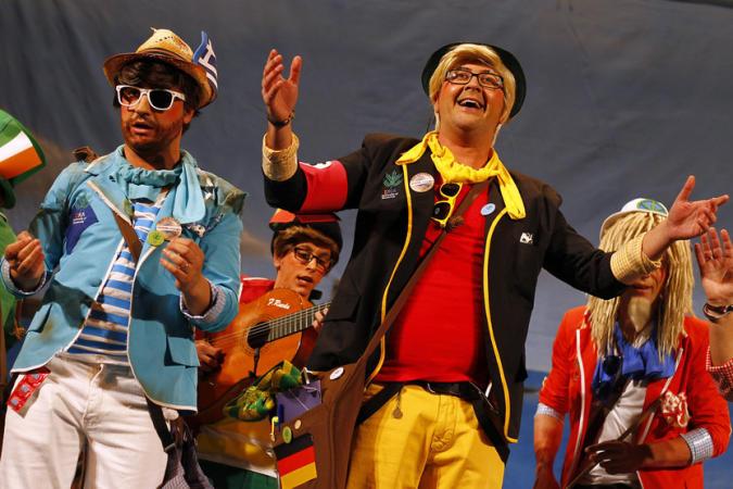 Vídeos De Las Actuaciones De Los Ganadores Del Carnaval De Cádiz 2013 Y Fotos De Todos Los Finalistas José Luis Sánchez Garrido Y Reyes